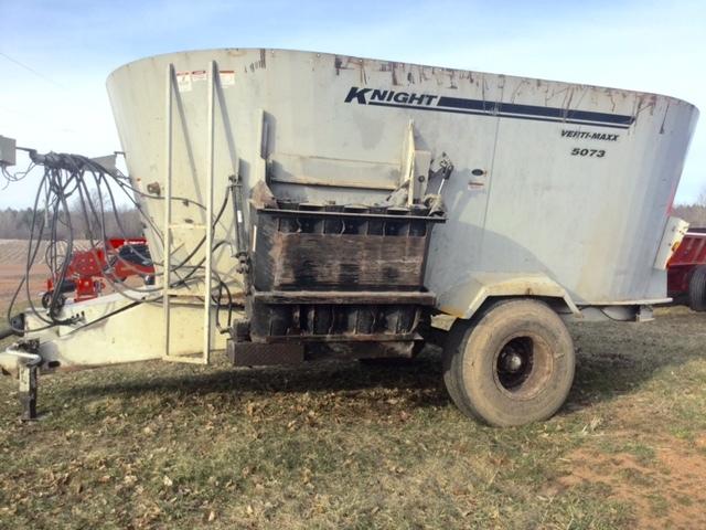 Eron Equipment | Junction City, WI | KNIGHT 5073 Vertical TMR Mixer