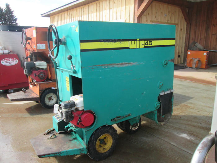 WIC 45 Feed Cart Cloverdale Equipment LLC Dairy